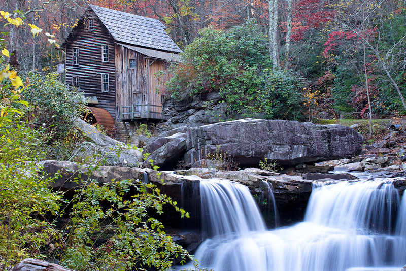 IMAGE: http://hammer418.smugmug.com/Travel/New-River-Gorge-West-Virginia/i-fnMGqjn/0/L/IMG8883-L.jpg